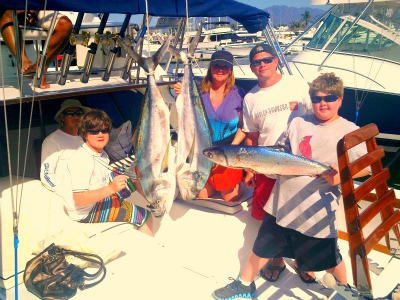 Rooster Fish & The Charbonnett Family On Magnifico