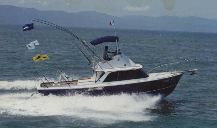 Magnifico our 31 ft Bertram Classic in perfect shape