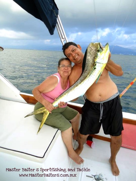 Dorado Invasion with Magnifico Capt. Cesar with Mom at los arcos in the Bay