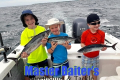 01 03 2018 Victors Fish with kids in bay 650 pxls MBText